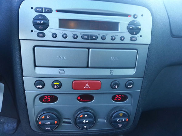 Alfa147-radio