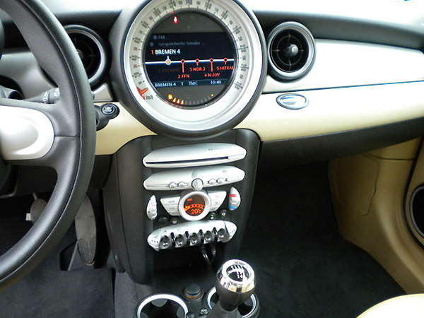 mini cooper radio tauschen automobil bildidee. Black Bedroom Furniture Sets. Home Design Ideas
