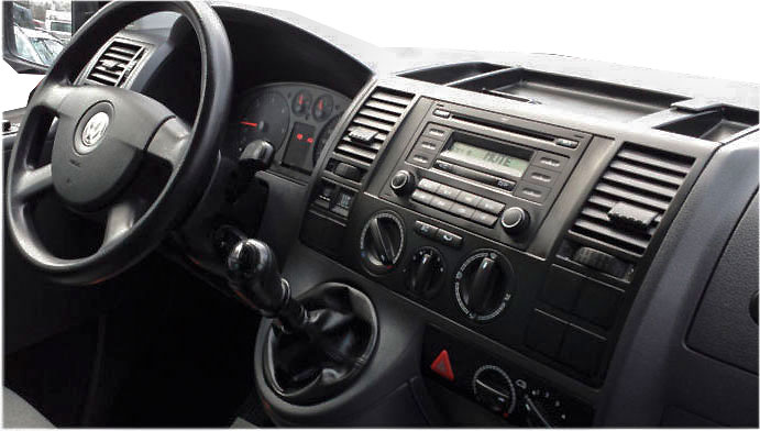 VW-T5-Delta-Radio-Armaturenbrett-mit-Rahmen