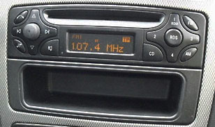 mercedes-audio-10-radios.jpg