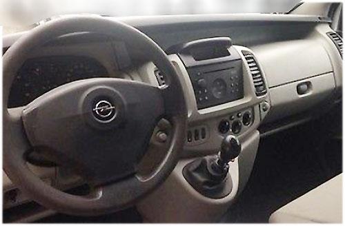 Opel-Vivaro-Radio-2005 Opel Vivaro Radioeinbauset Doppel DIN dunkelsilber bis 2006 Opel Vivaro Radioeinbauset Doppel DIN dunkelsilber bis 2006 Opel Vivaro Radio 2005