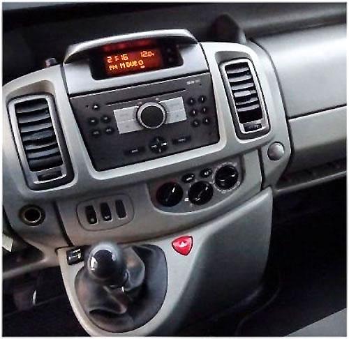 Opel-Vivaro-Radio-2008 Opel Vivaro Radioeinbauset Doppel DIN dunkelsilber ab 2006 Opel Vivaro Radioeinbauset Doppel DIN dunkelsilber ab 2006 Opel Vivaro Radio 2008