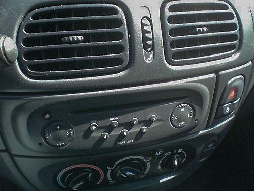 Renault-Megane-Radio-2002 Renault Megane I Autoradio Einbauset 1 DIN mit Antennenadapter Renault Megane I Autoradio Einbauset 1 DIN mit Antennenadapter Renault Megane Radio 2002